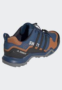 adidas Performance - TERREX SWIFT R2 SHOES - Hikingsko - blue - 3