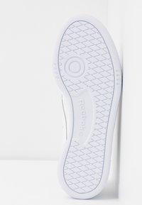 Reebok Classic - CLUB C 85 LIGHT LEATHER UPPER SHOES - Sneakers basse - white/black/rosett - 6
