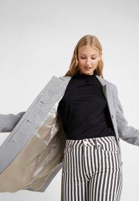 CLOSED - PORI - Zimní kabát - platinum - 5
