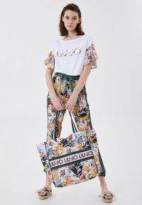 Liu Jo Jeans - T-shirt imprimé - white tropical liu jo - 1