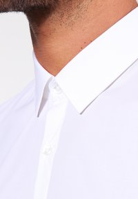 HUGO - ENIN EXTRA SLIM FIT  - Formální košile - open white - 3