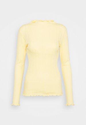 POINTELLA TRUTTE - Long sleeved top - pale banana