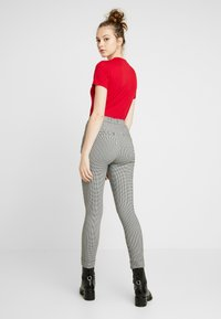 Hollister Co. - PLAID SUPER - Trousers - grey - 2