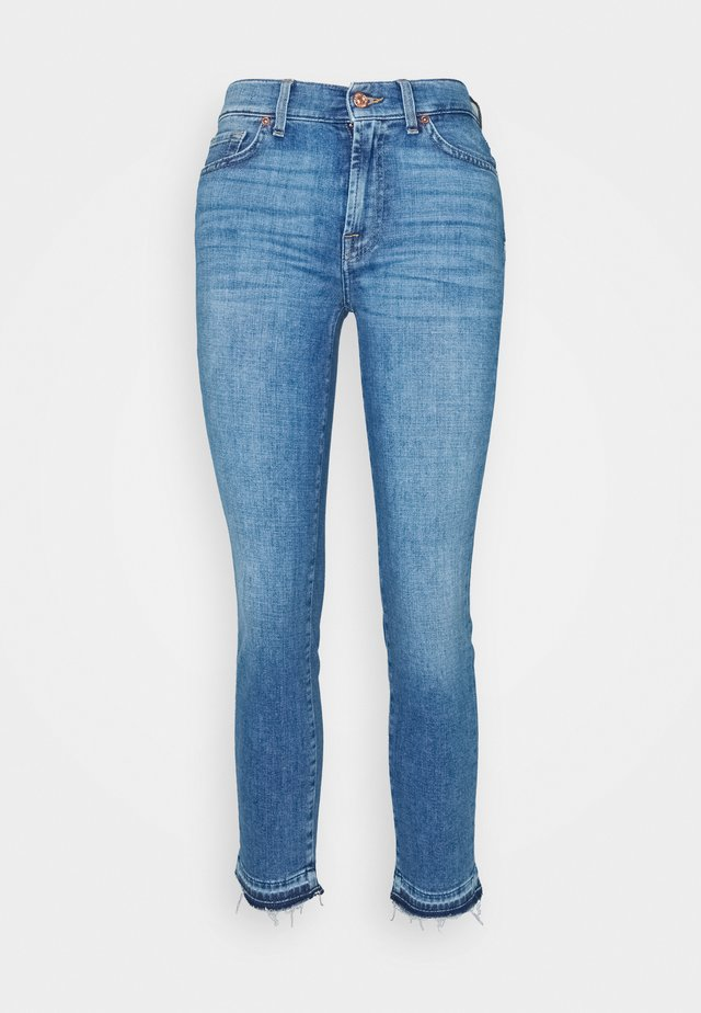 ROXANNE ANKLE UNROLLED - Jeans slim fit - grove