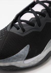Nike Performance - AIR ZOOM VAPOR CAGE 4 - Tenisové boty na všechny povrchy - black/white/pink foam/dark smoke grey - 5