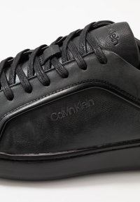 Calvin Klein - FORSTER LOW TOP LACE UP SOFT - Trainers - black - 5