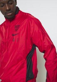 Nike Performance - NBA CHICAGO BULLS TRACKSUIT - Fanartikel - university red/black - 3