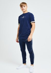 Illusive London Juniors - ILLUSIVE LONDON - Print T-shirt - navy & cream - 3