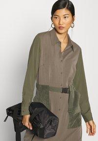 Another-Label - DAWN DRESS - Shirt dress - winter moss melee - 3