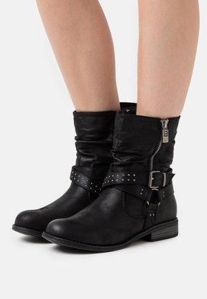 PERSEA - Cowboy/biker ankle boot - karma