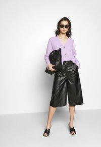 Who What Wear - THE VEGAN CULOTTE - Pantalon classique - black - 1
