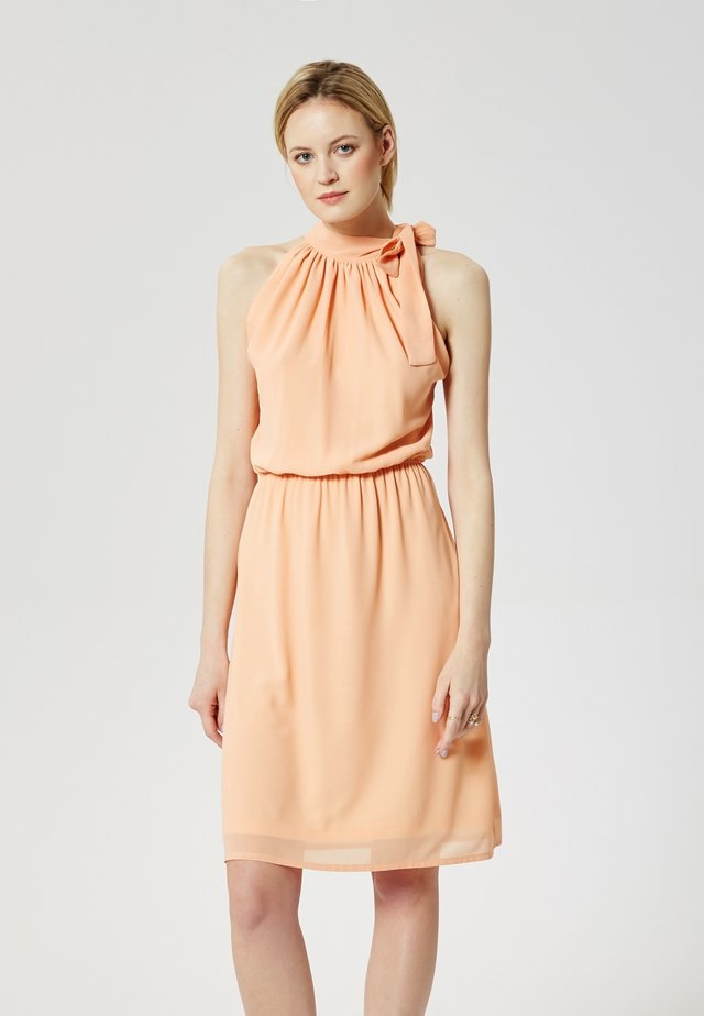 Day dress - salmon