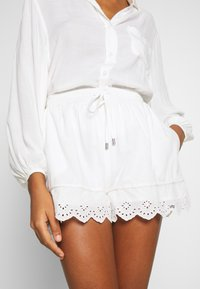Superdry - LACE BRODERIE - Shorts - chalk white - 5