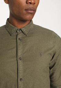 AllSaints - HUNGTINGDON SHIRT - Shirt - parlour green - 5