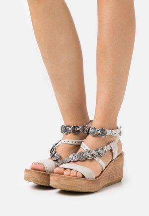 Sandales à plateforme - grigio
