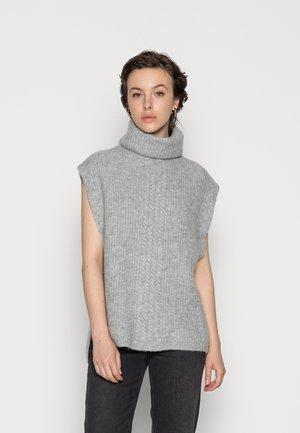 PCFELLINI PONCHO - Stickad tröja - light grey melange
