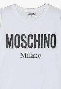 MOSCHINO - MAXI  - T-Shirt print - white - 3