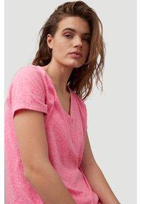 O'Neill - Basic T-shirt - rosa shocking - 3