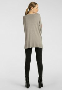 Apart - Pullover - taupe - 1