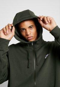 Nike Sportswear - CLUB HOODIE - Zip-up sweatshirt - sequoia - 3
