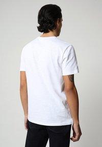 Napapijri - SILEA - Print T-shirt - bright white - 2