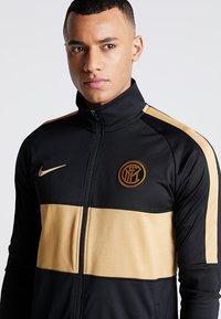 Nike Performance - INTER MAILAND DRY SUIT SET - Klubtrøjer - black/truly gold - 3