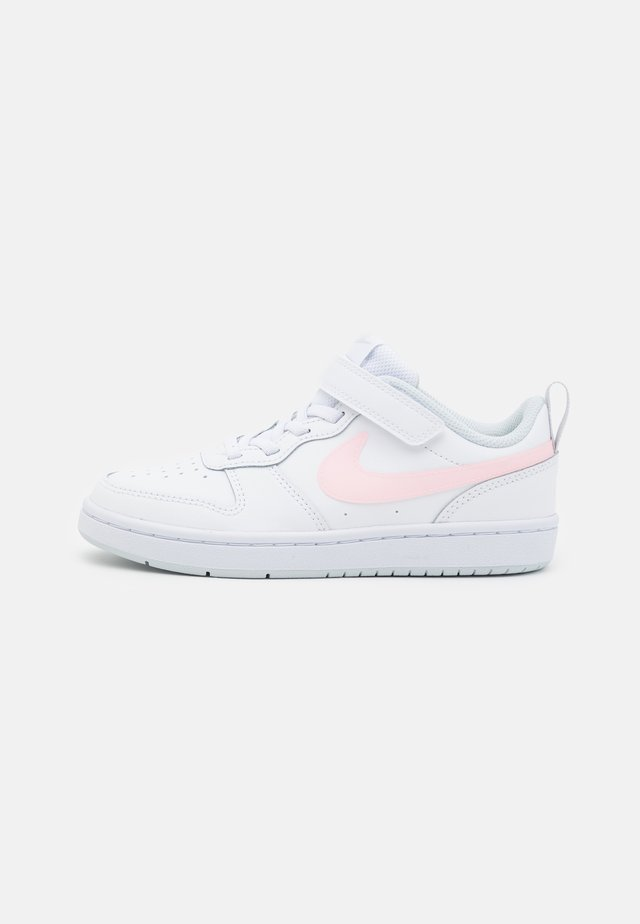 COURT BOROUGH - Sneaker low - white/arctic punch/light armory blue
