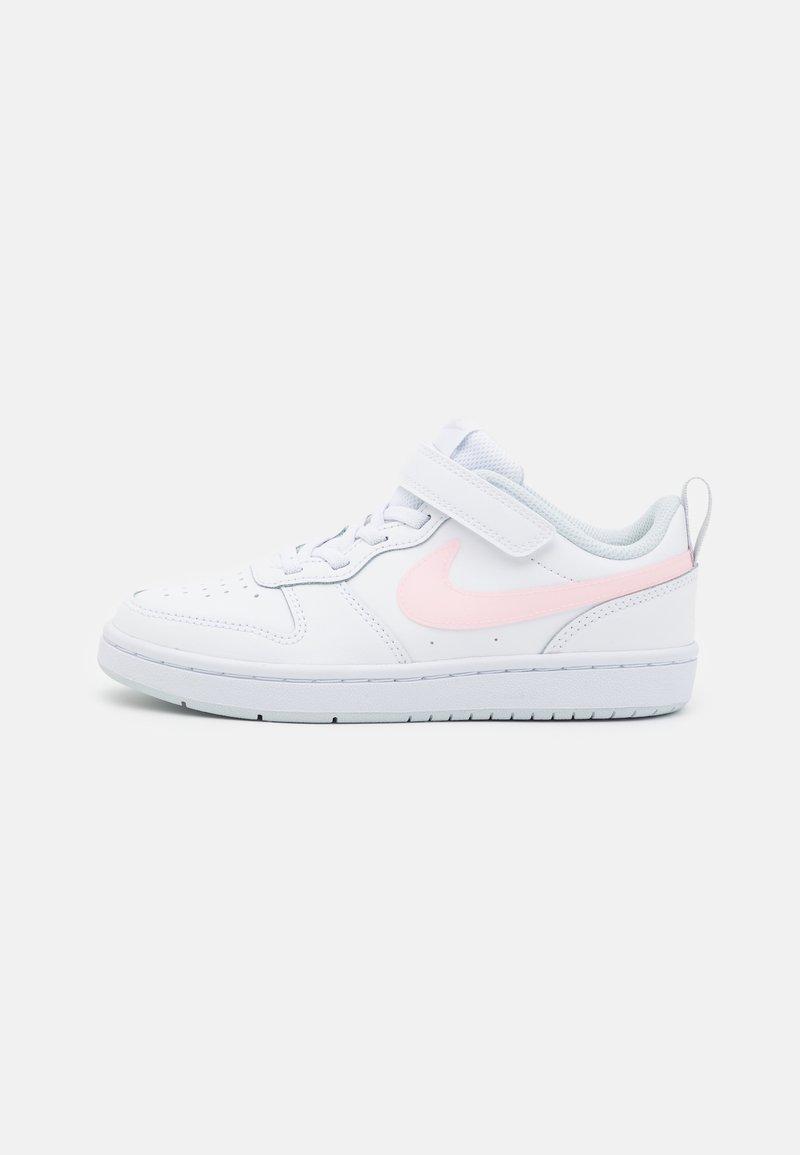 Nike Sportswear - COURT BOROUGH - Matalavartiset tennarit - white/arctic punch/light armory blue