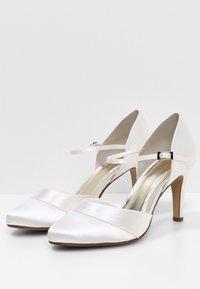 Elsa Coloured Shoes - RAINBOW CLUB PASSIONBERRY - Bridal shoes - ivory - 3