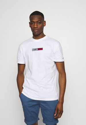 EMBROIDERED LOGO TEE - T-shirt z nadrukiem - white