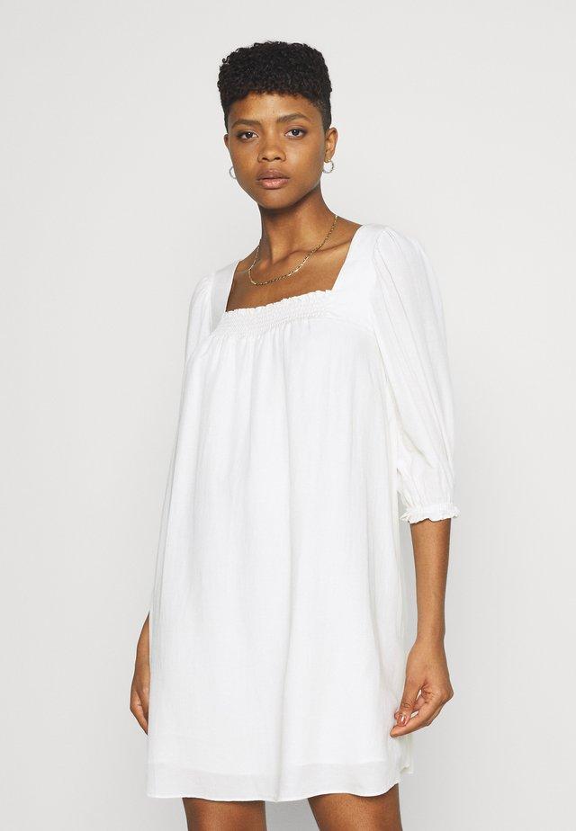 ABBIE BABYDOLL SKATER DRESS - Robe d'été - porcelain