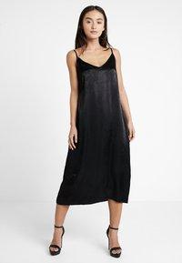 Even&Odd Petite - Denní šaty - black - 0