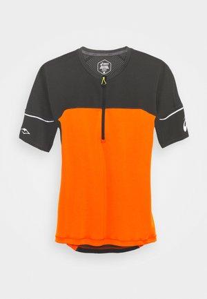 FUJITRAIL - Print T-shirt - marigold orange