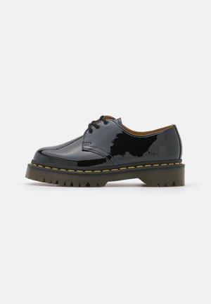 1461 LAMPER UNISEX - Šněrovací boty - black