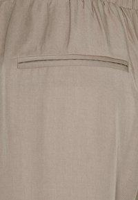 Lounge Nine - DITTA  PANT - Spodnie materiałowe - rock ridge - 5
