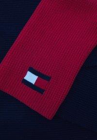 Tommy Hilfiger - BIG FLAG SCARF UNISEX - Scarf - dark blue/red - 2