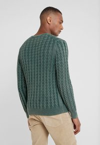 HKT by Hackett - CABLE CREW - Strikkegenser - dark green - 2