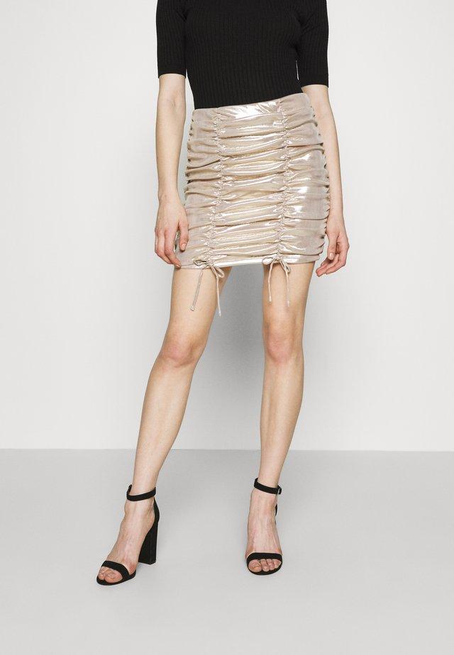RUCHED LIQUID MINI SKIRT - Mini skirt - champagne