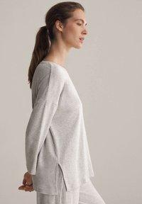 OYSHO - Pyjama top - light grey - 3