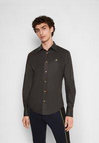 Vivienne Westwood - SLIM - Shirt - black - 0