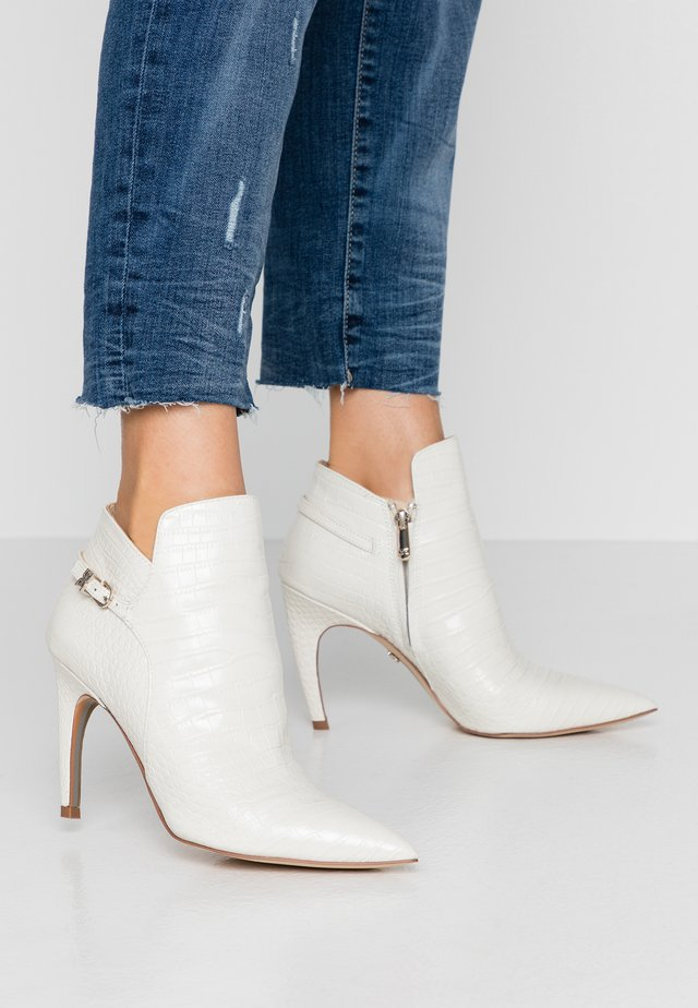 FIORA - High heeled ankle boots - modern ivory