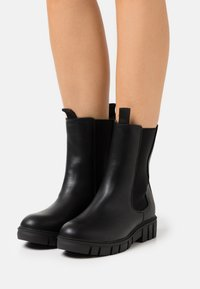Rubi Shoes by Cotton On - ZADIE MIDI GUSSET BOOT - Nilkkurit - black - 0