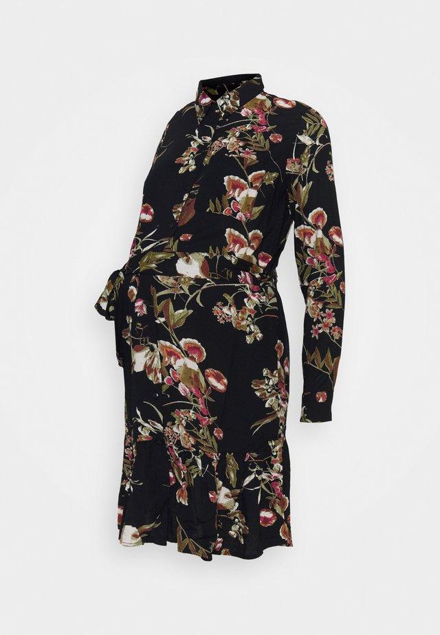 PCMBRENNA DRESS - Paitamekko - black