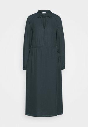 SAMANTHA DRESS - Koktejlové šaty/ šaty na párty - pacific blue