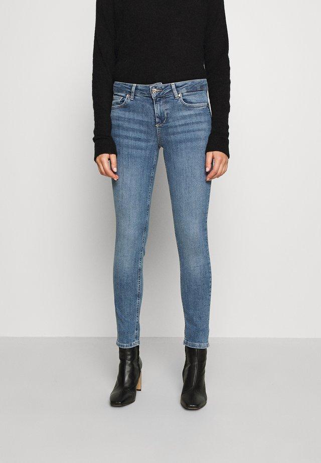 MONROE - Jeans Skinny Fit - denim blue crux wash