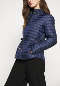 MICHAEL Michael Kors - BELTED PUFFR - Down jacket - true navy - 7
