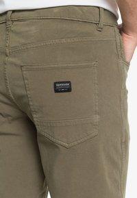 Quiksilver - Denim shorts - kalamata - 5