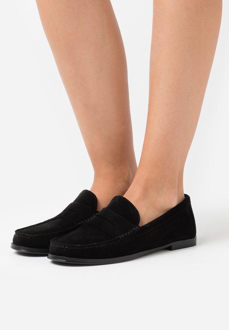 Pretty Ballerinas - CROSTINA - Instappers - black