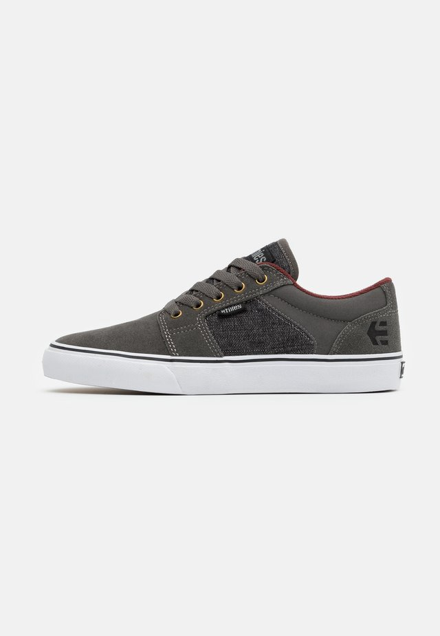 BARGE - Zapatillas - grey/black