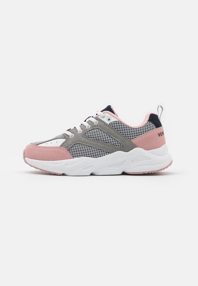 VMATEA  - Sneakersy niskie - sepia rose